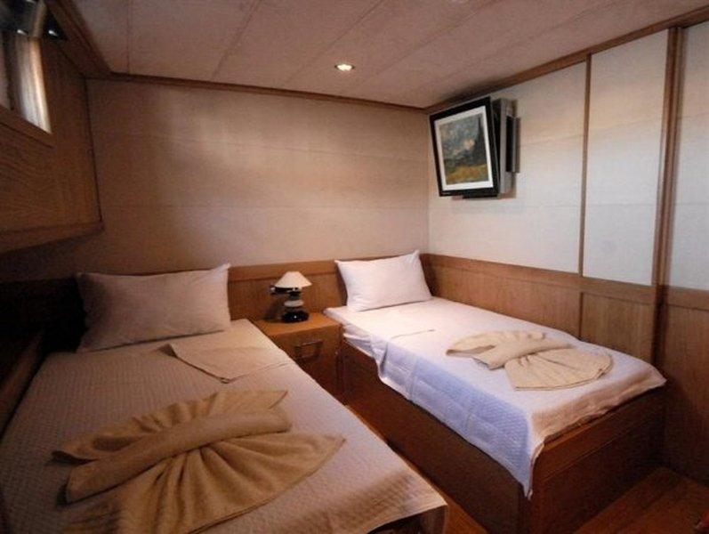 Fethiye Yat Gulet 21 Metre 8 Kişi Yatak Odası