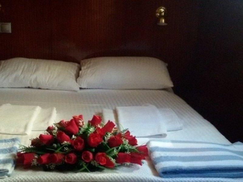 Fethiye Yat Gulet 22 Metre 8 kişi Yat Dinlenme Alanı Çift Kişilik Yatak