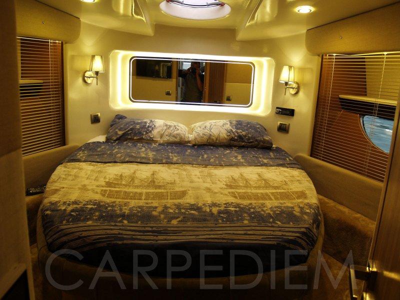 Göcek tekne 14 metre 5 kişilik modern yatak odası